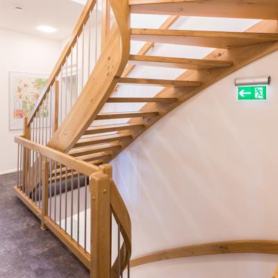 brandschutz bei holztreppen holztreppen in f30 b geht das frammelsberger treppenbau. Black Bedroom Furniture Sets. Home Design Ideas