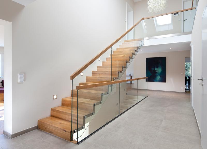 projekt faltwerktreppe ein traum aus wildeiche glas und edelstahl frammelsberger treppenbau. Black Bedroom Furniture Sets. Home Design Ideas